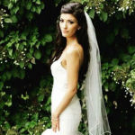 bridal hairstyle long with veil brunette
